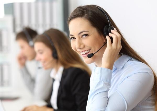 téléopérateur service de secours téléassistance